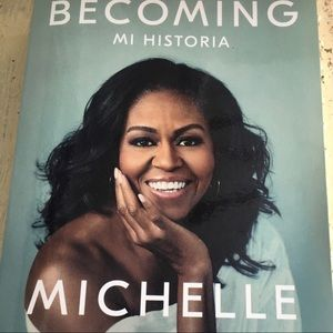 BNWOT Becoming Michelle Obama Book